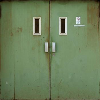 100-Doors-2013
